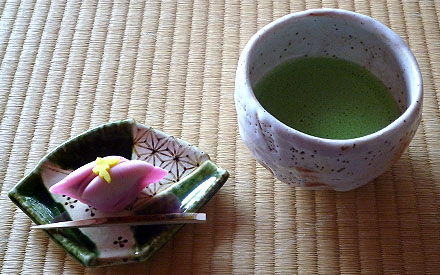 抹茶 - matcha - powdered green tea