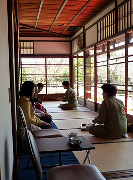 Serving tea at Kyu-Konoe-tei tea house